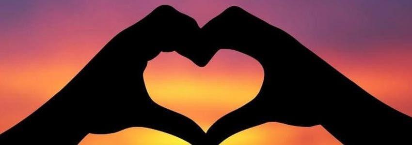 Boutons de manchette sur le thème du romantisme et du mariage